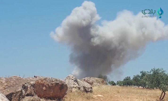 شهيد بقصف جوي على إدلب وخسائر كبيرة للنظام في دير الزور