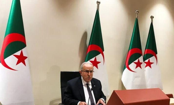 وزير خارجية الجزائر: مشاركة سوريا في القمة العربية مرتبطة بالمشاورات